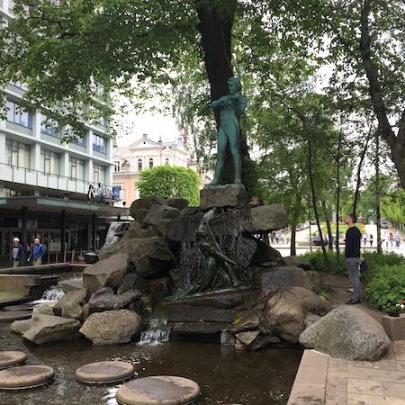 i statue